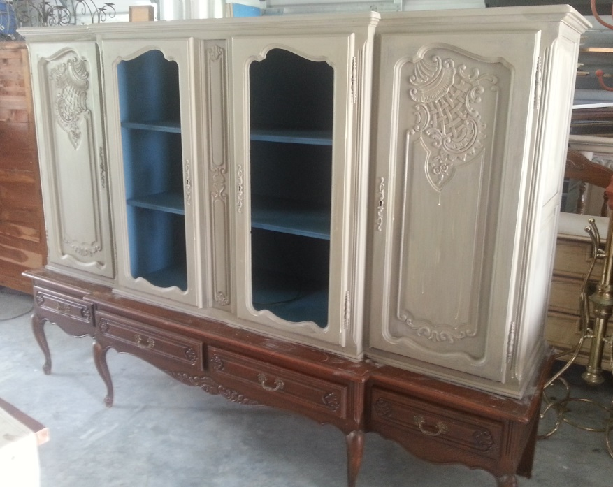 China Cabinet Painted With Old White Chalk Paint® Decorative Paint