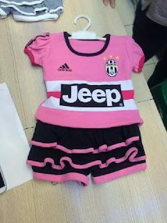 gambar desain terbaru jersey setelan rok bayi balita gamar foto photo kamera Jersey setelan rok bayi Juventus away Adidas terbaru musim 2015/2016 di enkosa sport toko o nline terpercaya lokasi di jakarta pasar tanah abang