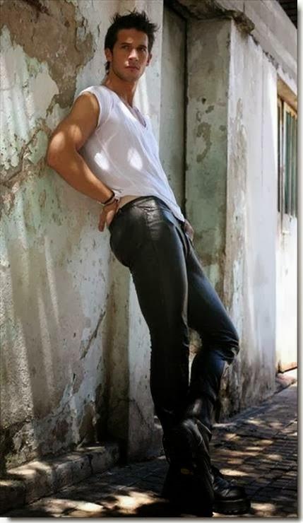 Gay men in tight jeans pics