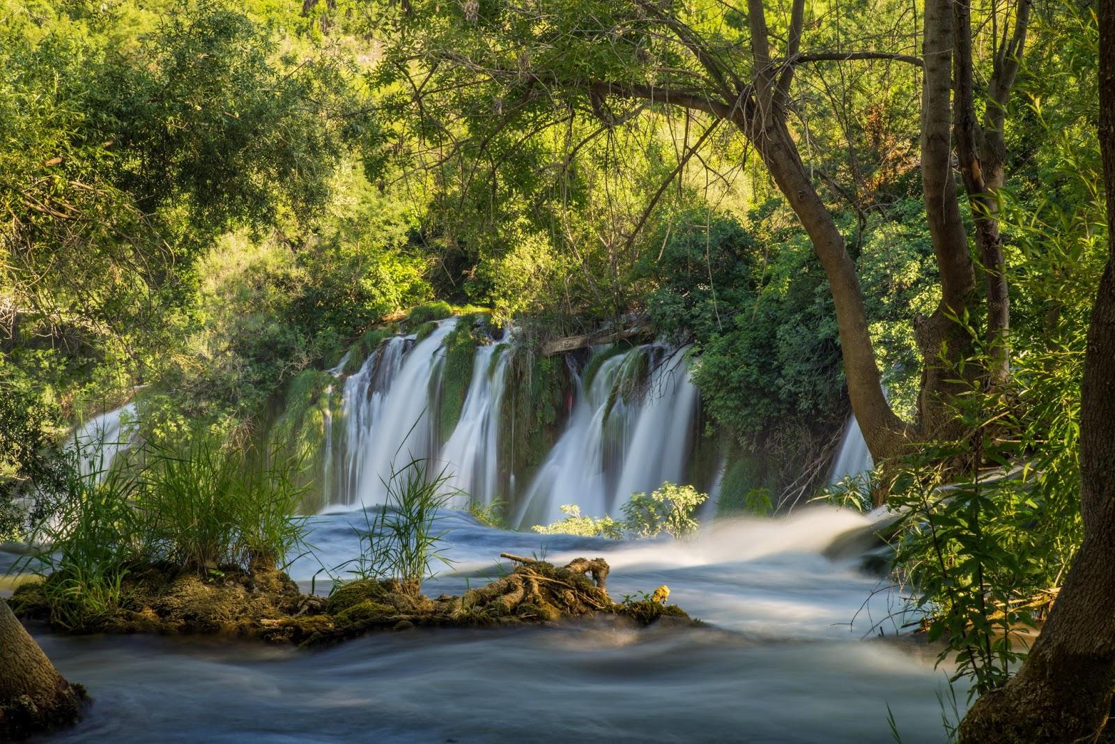 Banco de im genes 33 fotograf as de cascadas con hermosos for Fotos pinterest