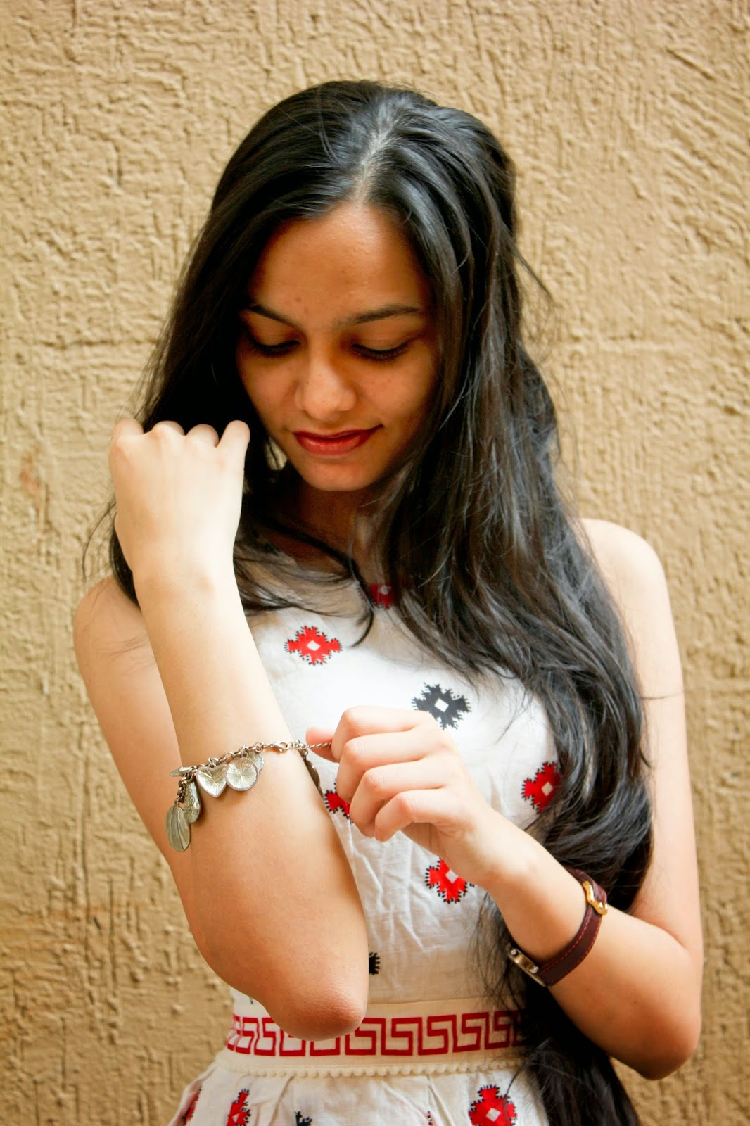 charm bracelet, topshop dress, printed dress, mumbai fashion blogger, mumbai streetstyle, valentine's day outfit ideas, valentine day look on budget, how to wear a charm bracelet, indian blogger, look for less, looks on a budget
