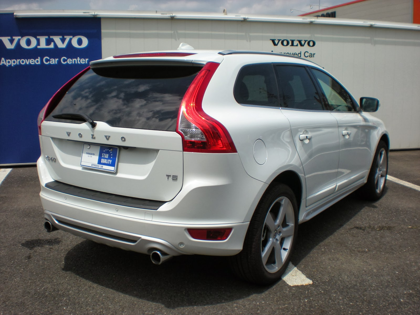 Exterior Photos 2017 Volvo Xc60 Interior together with 2015 Volvo V60 T5 Drive E Review The New York Times together with 2016 Volvo Xc60 Overview further Black Color 2016 Volvo Xc70 T5 Wagon as well 2014 Volvo Xc60 T6 Awd Review. on 2015 volvo xc60 t5 platinum