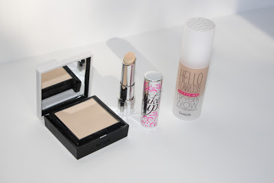 Benefit Flawless foundation powder and concealer