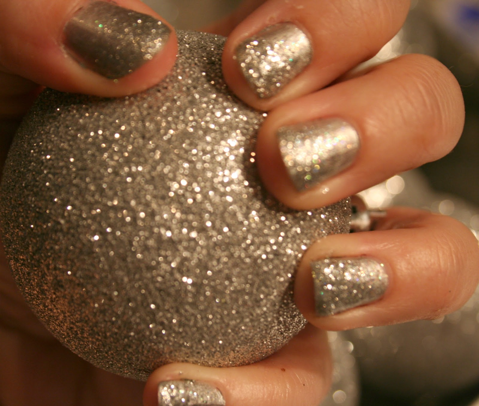 Glitter ombre nails tutorial