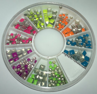 LadyQueen-Lady-Queen-Fluorescent-Studs-Review