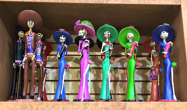 Day of the dead figurines.