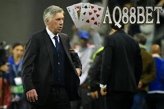 Liputan Bola - AC Milan kencang diisukan akan menarik kembali Carlo Ancelotti sebagai pelatih mereka musim depan. Rumor yang mana mendapat tanggapan biasa-biasa saja dari CEO Rossoneri, Adriano Galliani.