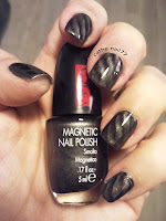 http://cathenail.blogspot.fr/2013/01/pupa-kit-magnetic-black-31.html