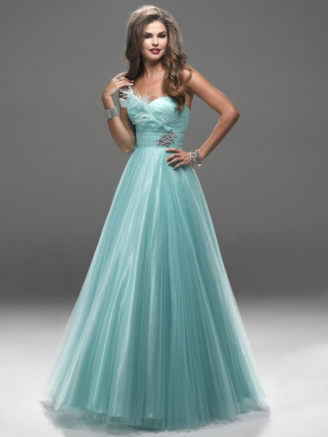 Stylish Prom Styles Online Sharing: Types and Styles of