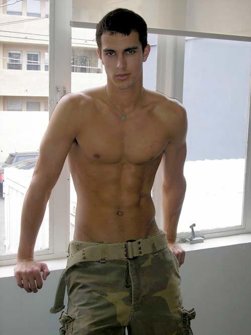 italian gay muscle