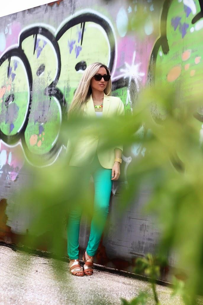 look do dia, ootd, look of the day, outfit, personal style, estilo pessoal, amarelo, verde esmeralda, blazer, sandálias zilian, camel e dourado, cores vibrantes, mala just cavalli, animal print, leopardo, tendências, primavera verão 2014, chic look, blog de moda, blogue de moda, blog de moda portugal, blogues de moda portugueses, consultoria de imagem, dicas de imagem, style statement, fashion blog, personal stylist, new yorker, guess, animal print purse, círculo cromático, emerald green, gold, studs, spikes, neon colors