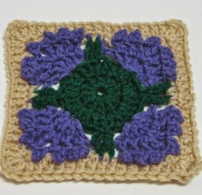 http://translate.googleusercontent.com/translate_c?depth=1&hl=es&rurl=translate.google.es&sl=en&tl=es&u=http://craftyghoul.com/2013/03/07/free-pattern-for-thistle-inspired-square/&usg=ALkJrhjV7o7IyXQPPKjb_Fc98rfsj0cJJg
