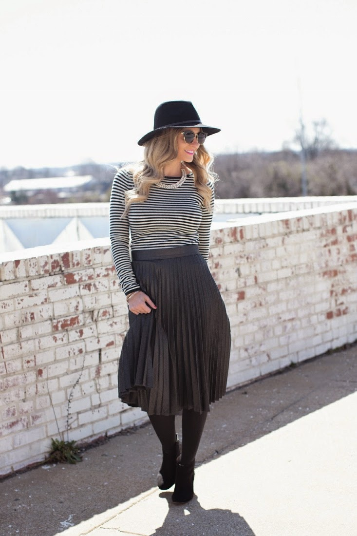 Midi Skirt with tights and stripes