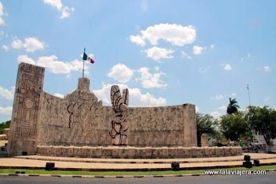 Monumento Bandera Paseo Montejo, Merida Yucatan