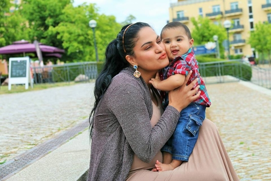 Veena Malik with her son