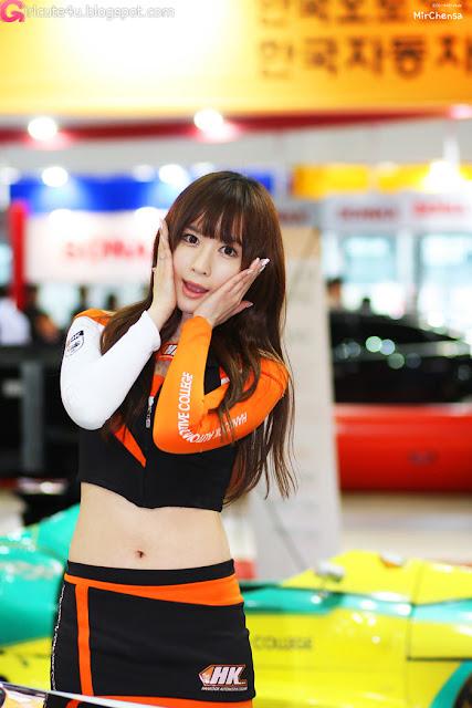 2 Lee Yeon Ah - Automotive Week 2012-very cute asian girl-girlcute4u.blogspot.com