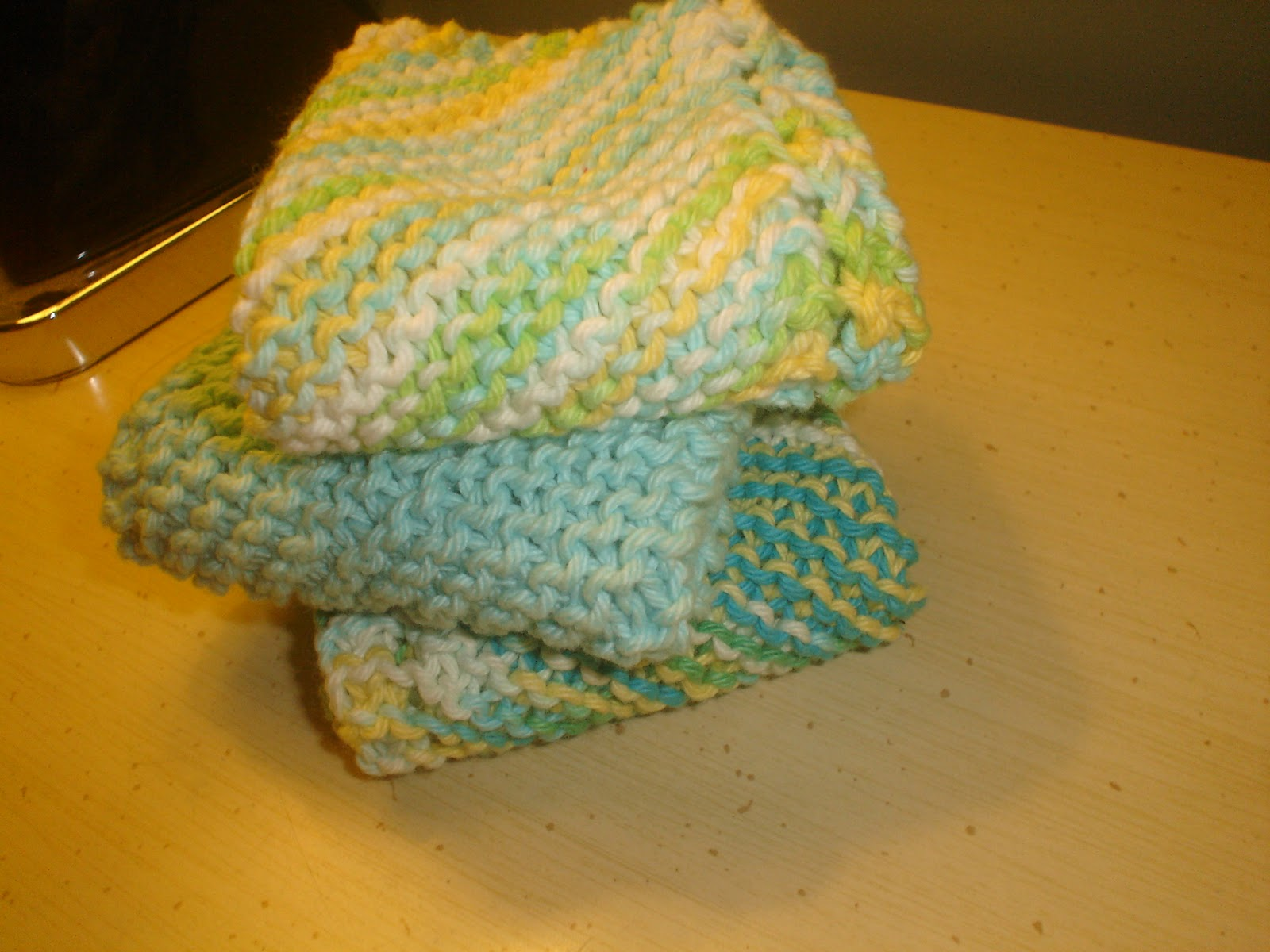 Knitted Dishcloth Patterns For Variegated Yarn : The Craft Librarian: December 2011
