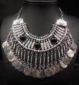 http://www.stylemoi.nu/gold-coin-black-stone-bib-necklace.html