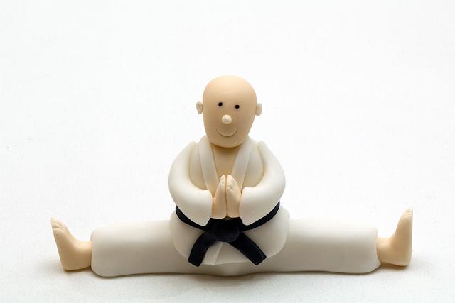 Karate fighter fondant figurine blog shot
