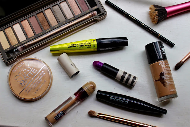 how to make your face not oily throughout the day