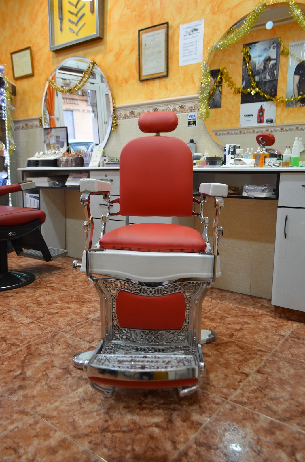 Club pirag isme silla peluquer a de caballeros manuel - Sillas de espera para peluqueria ...