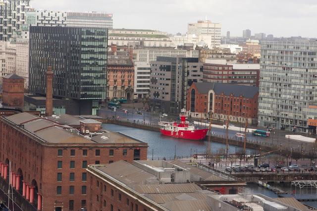 Como ir do aeroporto de Liverpool ao centro histórico