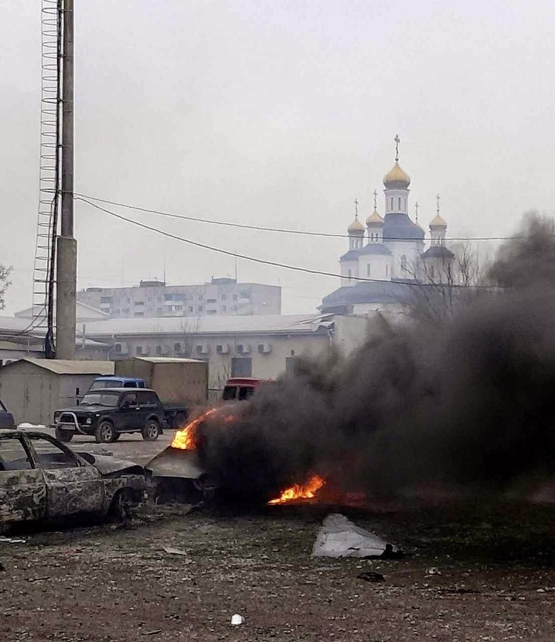 Alvos civis atingidos em Mariupol.