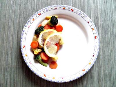 Somon cu stir-fry de legume