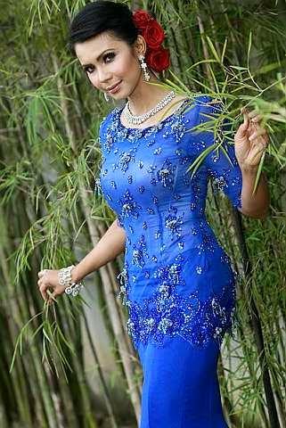 Foto Model Baju Kebaya Rozita Che Wan