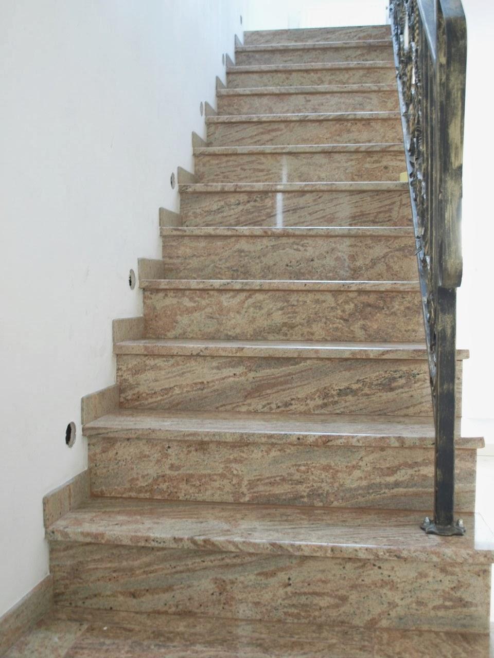 remont starego domu schody kamienne granitowe balustrada kuta murator