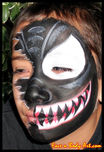 Scary Halloween Face Painting http://facenbodyart.blogspot.com/2010/10/scary-halloween-face-painting-ideas-for.html