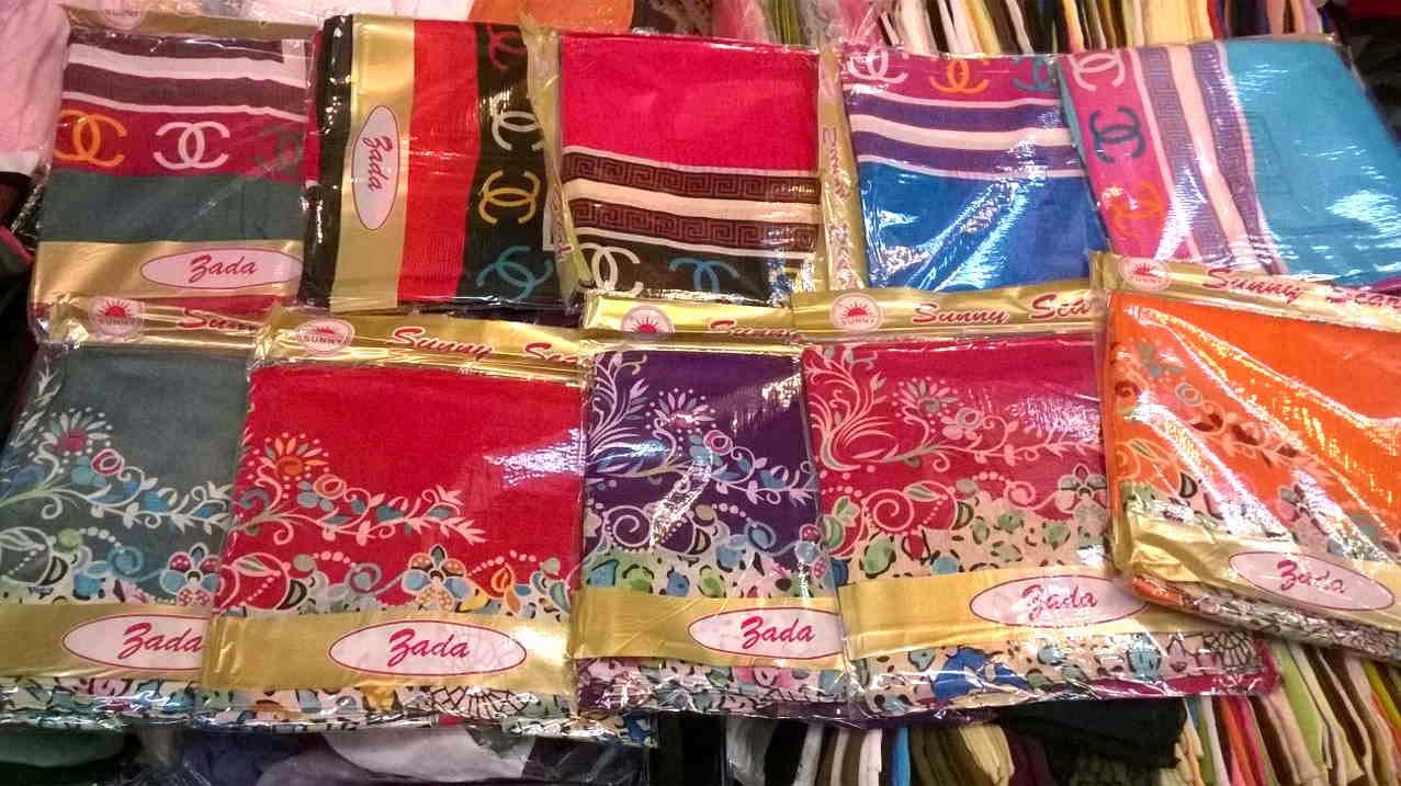 warna dan Motif Jilbab Bada SunyScarf