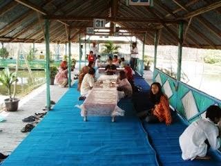 Gambar Lokasi Warung Apung Rowo Jombor