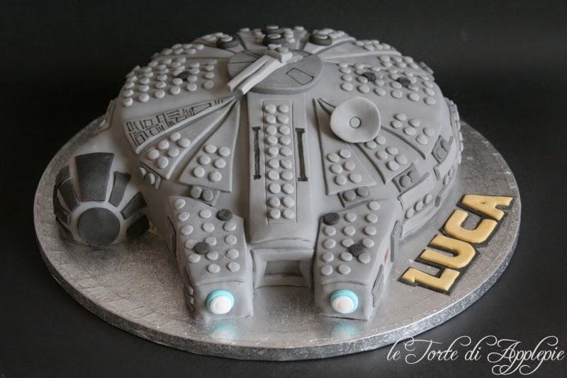 Popolare le torte di Applepie: Millennium Falcon Cake OR47