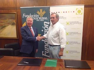 Convenio de colaboración entre fundación Caja Rural del Sur y Cooperativas Agro-Alimentarias de Huelva