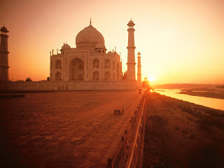 Taj Mahal at Sunset Wallpapers