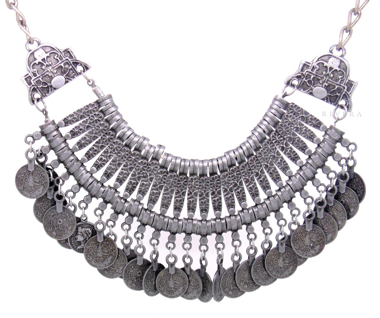 colares de bijuteria