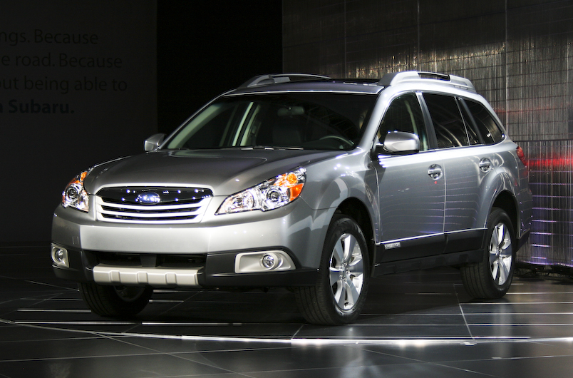 all car reviews 02 subaru outback 2011 high performance compact crossover. Black Bedroom Furniture Sets. Home Design Ideas