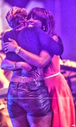 tiwa savage mary j blige hugging