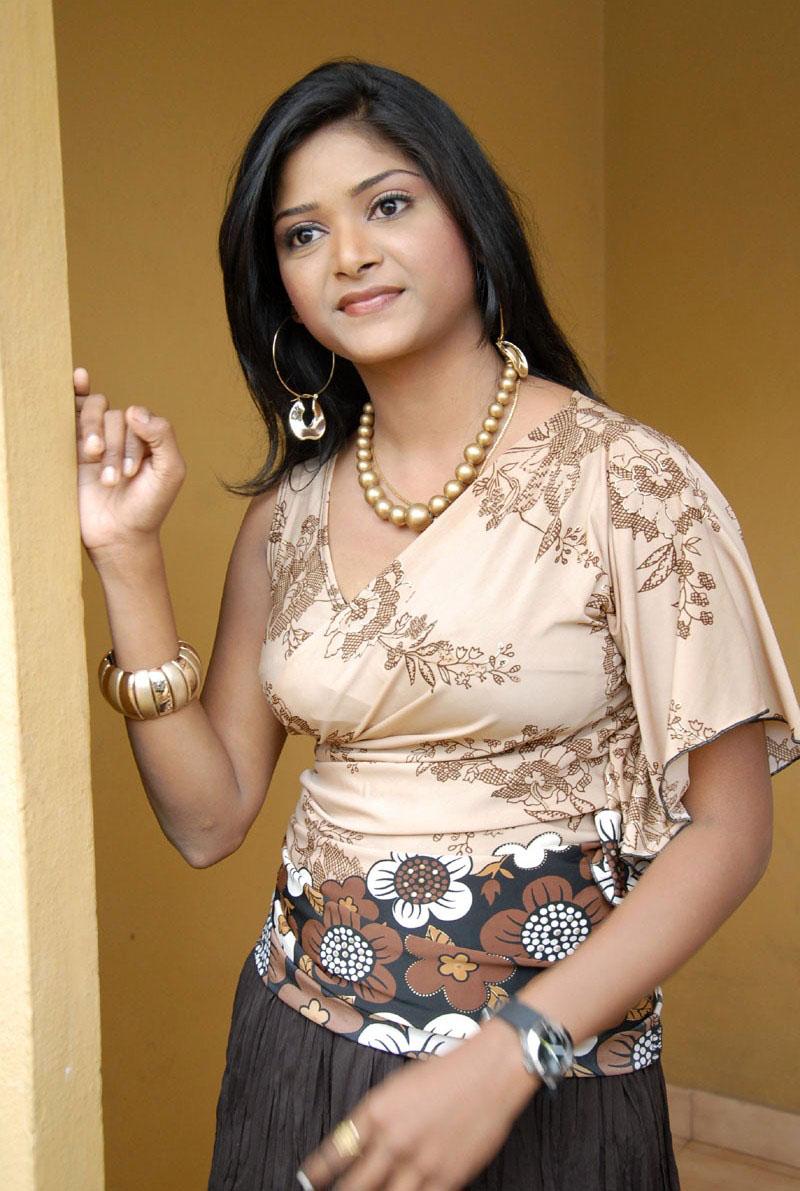 telugump3songs: Telugu New Actress Alekya Hot Photos