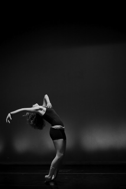modern dancer photograph in black and white as an example of the rule of thirds