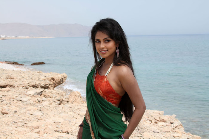 amala paul from bezawada, amala paul spicy actress pics