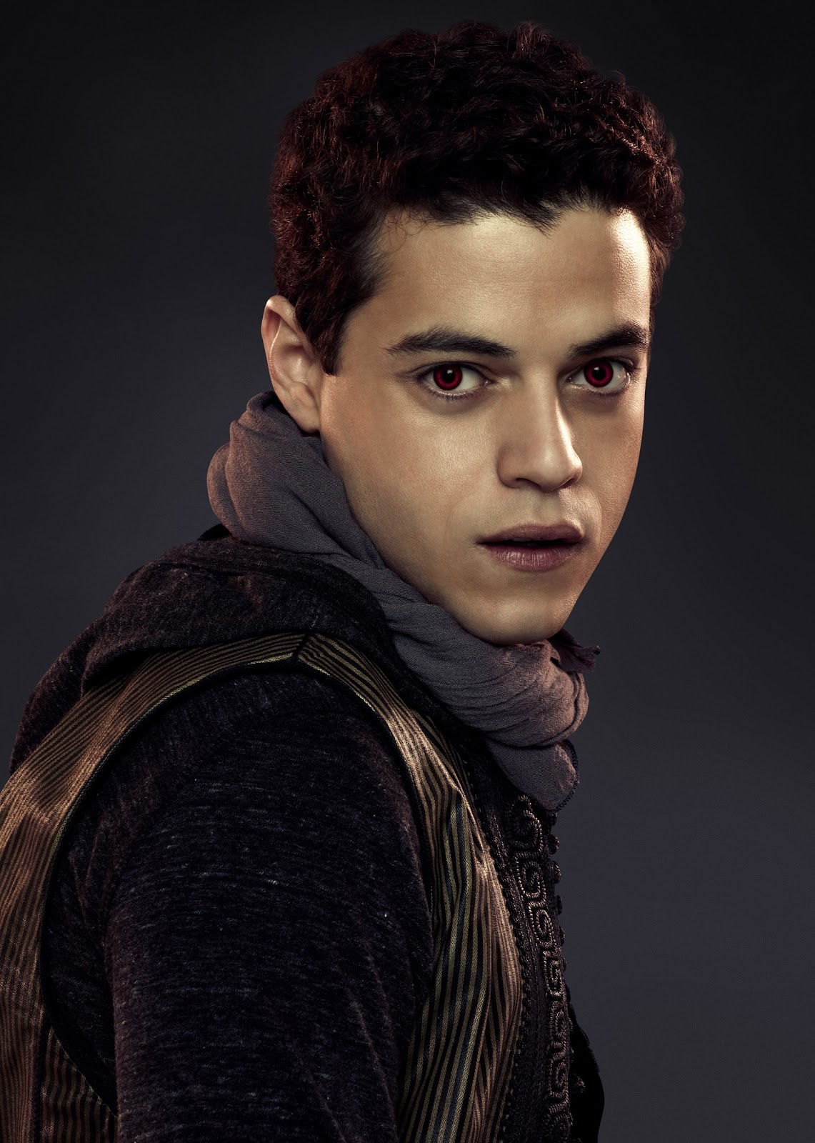 irish twilight sisters new face friday rami malek talks 39 the twilight saga breaking dawn. Black Bedroom Furniture Sets. Home Design Ideas