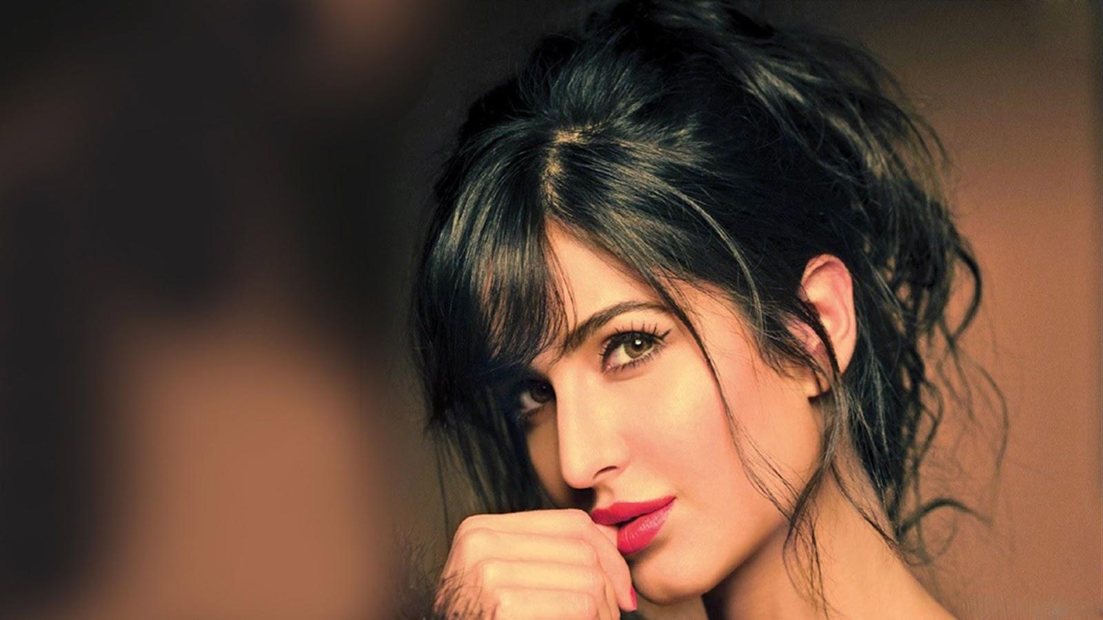 Katrina Kaif Hot Lips Wallpaper