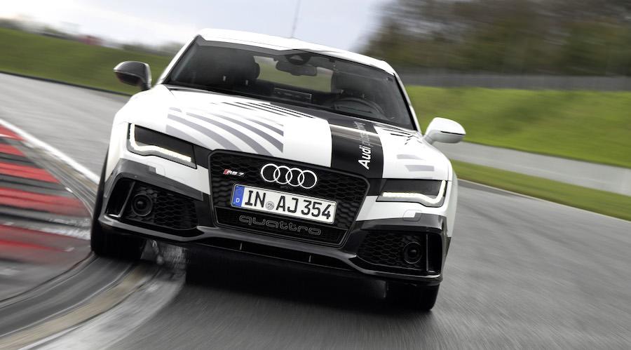 【動画】アウディの無人走行車のプロモーションビデオがカッコ良すぎる。RS7