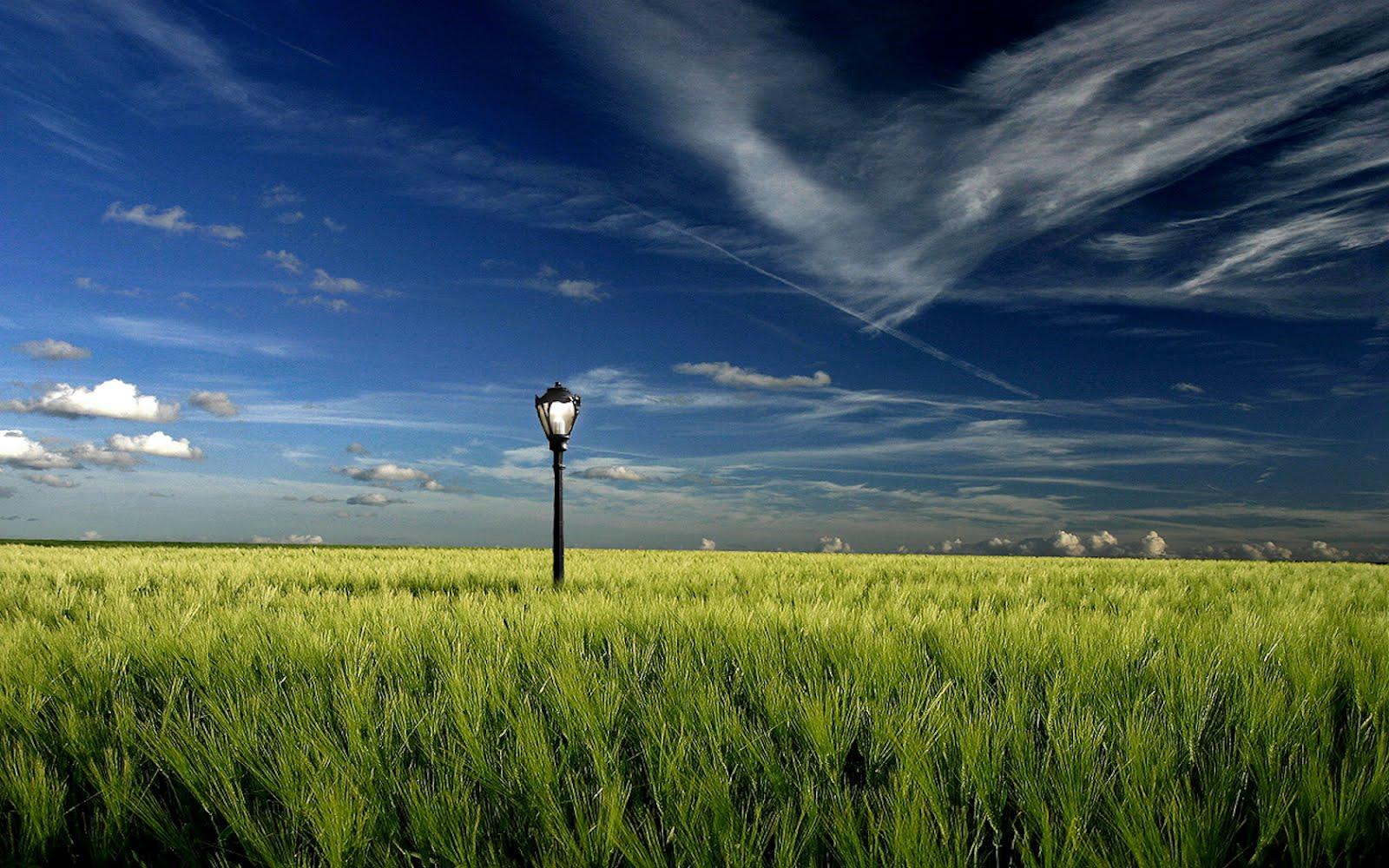 http://2.bp.blogspot.com/-PnaRZm9afXo/T0d5U0Px-wI/AAAAAAAAH4s/424LYL6celo/s1600/amazing-place-world-wallpaper.jpg