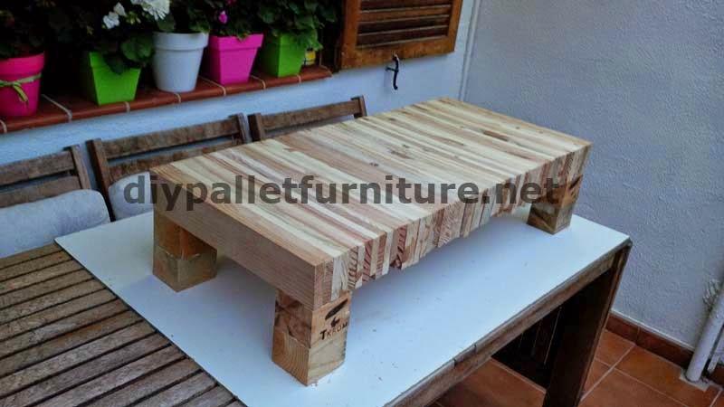 Mesa para el sal n hecha con tablas - Mesas hechas con palets de madera ...