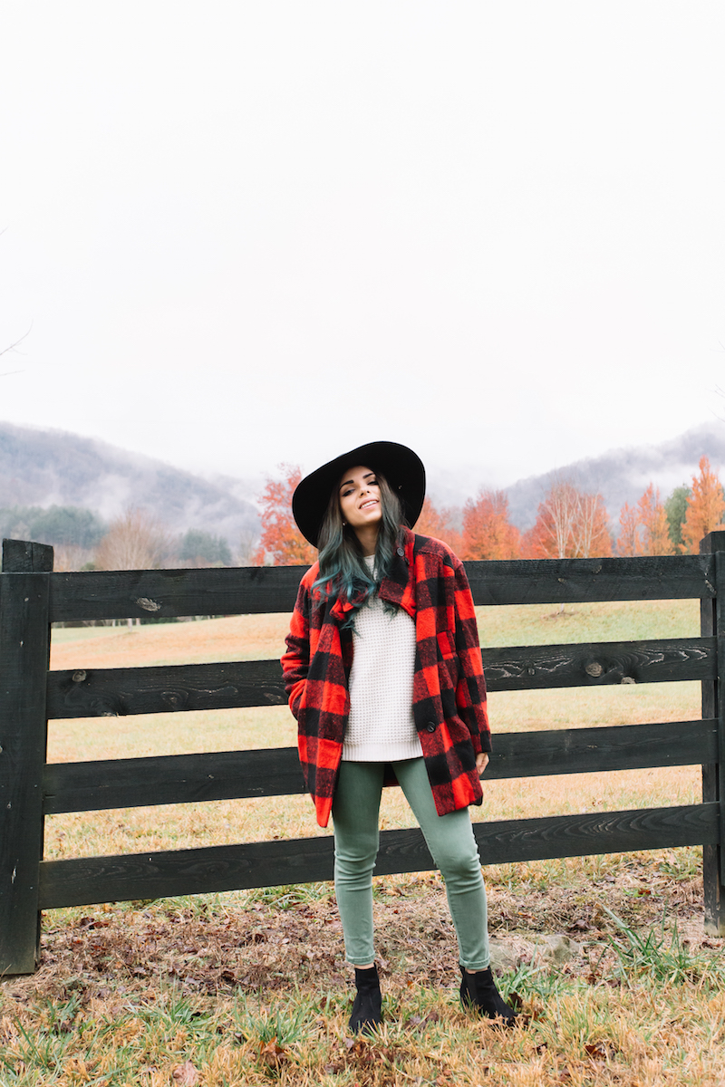 georgia, travel, army green pants, plaid coat, wide brim hat, rabbit gap, north carolina, coach, black infinity scarf, nany's klozet, ray ban, clubmaster sunglasses, fall, fall fashion, fashion, miami fashion blogger