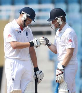 England-XI-vs-Mumbai-A-Jonny-Bairstow-and-Eoin-Morgan