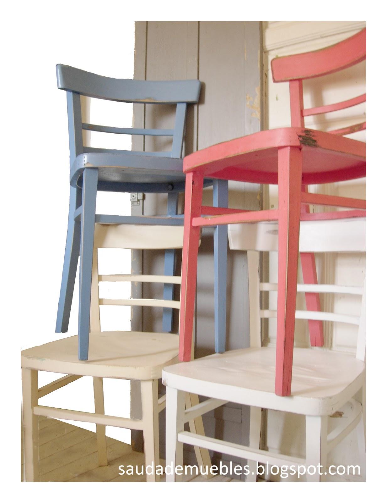 Saudade con las sillas de un bar for Sillas para un bar